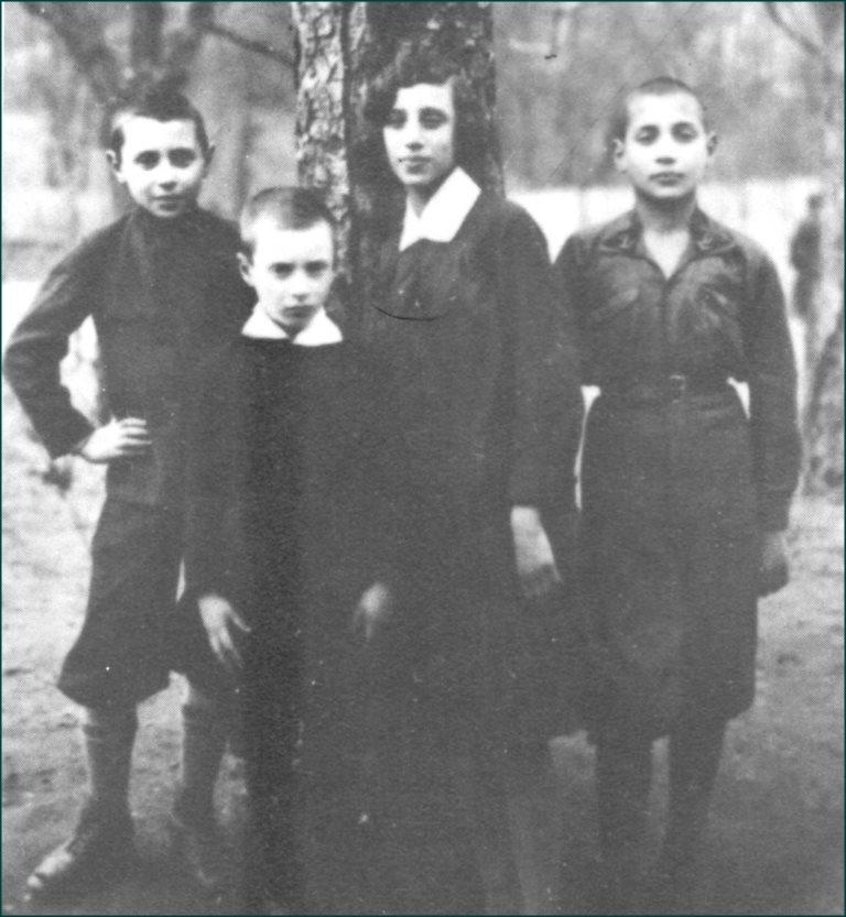 Image 8. Left to Right- Yechezkel, Abba Menachem, Zipporah, and Yaakov Kremerman in 1931
