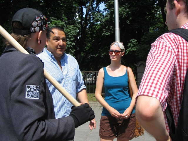 US tourists in Kaunas meet anti fascist demonstrators
