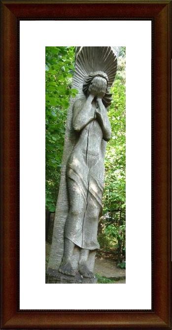Bunka's weeping girl on Kausenai Hill